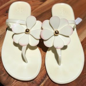 Tory Burch Shoes - Tory Burch🍁🍂Ivory jelly sandals size 10